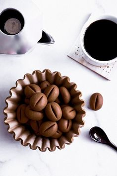 Then you are going to love these coffee bean cookies. Soft shortbread texture with rich coffee flavor and a hint of chocolate. Coffee Biscuits, Coffee Cookies, Coffee Aroma, Coffee Or Tea, Coffee Drinks, Coffee Deserts, Mocha Coffee, Starbucks Coffee, Shaped Cookie