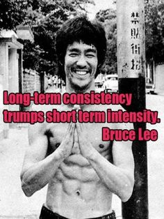 Keep going, persistence pays off, if anyone knows- Bruce Lee does. Bruce Lee was a master of training and discipline who trained so hard he reached the peak of human physical condition. Bruce Lee Frases, Bruce Lee Quotes, Great Quotes, Quotes To Live By, Life Quotes, Wisest Quotes, Top Quotes, Motivational Quotes, Inspirational Quotes