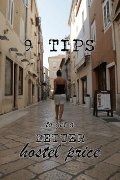 9 tips to get a better hostel price - How to haggle!