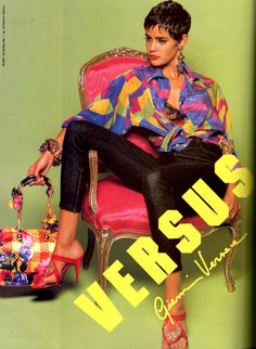 Gianni Versace Vintage Fashion collection & More Details Fashion Poses, Fashion Outfits, Style Fashion, Timeless Fashion, Vintage Fashion, 80s And 90s Fashion, Diana Fashion, Vintage Versace, Moda Vintage
