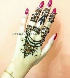 Mehndi Desing, Modern Mehndi Designs, Mehndi Design Pictures, Beautiful Mehndi Design, Mehndi Images, Simple Mehndi Designs, Mehndi Art, Mehendi, Mehendhi Designs
