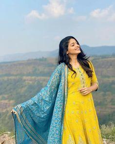 Pooja Sawant, Cute Couples Photography, Indian Girls Images, Anarkali Dress, Beautiful Girl Indian, Girl Pictures, Kurti, Actresses, Actors