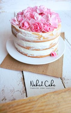 Since the teeeemps I want to make this cake, that& it! The naked cake is very simple cakes to relieve, for short, no need for frosting. The cake reveals the Genoese and it is all that makes the charm … - Baking Recipes, Cake Recipes, Drink Recipes, Desserts With Biscuits, Pink Birthday Cakes, Easy Eat, Diy Cake, Homemade Cakes, Cake Creations
