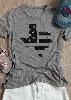 the world's best T-shirts at Bellelily. Find a wide variety of colors and styles. Texas Star, Clothing Websites, Star Print, Neck T Shirt, Cool T Shirts, Summer Dresses, Stars, Stylish, Sweatshirts