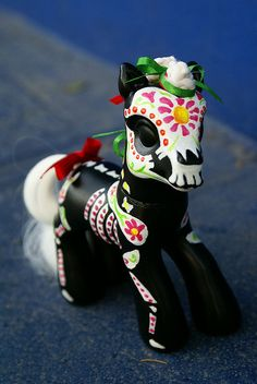 My Little Sugar Skull Pony ... this is pretty awesome!