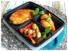 Meal Prep Wochenplan abnehmen l Meal Prep Ideen mit Haehnchen High Protein Meal Prep, Paleo Meal Prep, Lunch Meal Prep, Meal Prep Bowls, Easy Meal Prep, Easy Healthy Recipes, Lunch Recipes, Seafood Recipes, Paleo Recipes