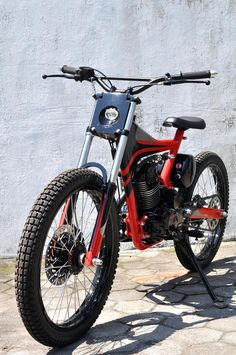 Custom motorized trial bicycle Agus Sudariswanto from Darizt Design | Single cylinder engine | Moutain bike style chassis