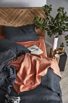 Create a moody, tonal bedroom by pairing pops of colour with dark tones and layering textures for the cooler seasons. Room Ideas Bedroom, Bedroom Inspo, Home Decor Bedroom, Bedroom Colors, Dream Rooms, Dream Bedroom, Deco Retro, My New Room, House Rooms