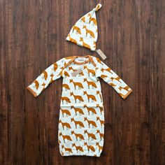 New at Willo Baby! Newborn Gown and Hat Set - Fox