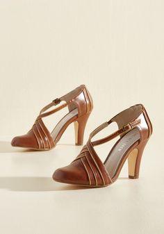 Chelsea crew time for terpsichore modcloth heels Burgundy Heels, Yellow Heels, Brown Heels, Cute Shoes, Me Too Shoes, Monaco, Basson, Vintage Style Shoes, Vintage Heels