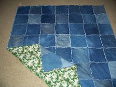 Crafty Camper Girl: Denim Rag Quilt Tutorial - there are 2 parts to this tutorial. This link goes to part first part shows how to cut your squares from pairs of jeans. Jean Crafts, Denim Crafts, Denim Quilt Patterns, Denim Quilts, Bag Patterns, Rag Quilt Instructions, Artisanats Denim, Denim Purse, Blue Jean Quilts