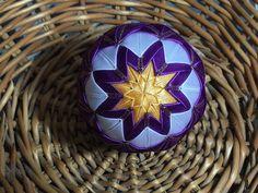 Dekorácie - vianočné patchworkové gule fialovo-bielo-zlaté - 7148606_