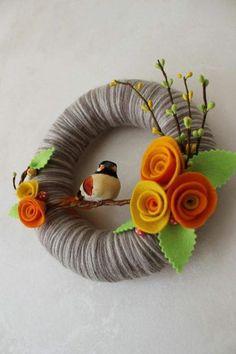 Spring Bird Wreath Brown Yellow Orange 8 by polkadotafternoon Felt Flower Wreaths, Felt Wreath, Wreath Crafts, Diy Wreath, Felt Flowers, Flower Crafts, Felt Crafts, Diy And Crafts, Christmas Wreaths
