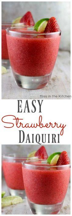 Easy Strawberry Daiquiri Cocktail ~ Perfect weekend cocktail recipe found at Mis… – Nefis Yemek Tarifleri – Tatlılar – Pastalar – Izgara – Buğulama Party Drinks Alcohol, Drinks Alcohol Recipes, Fun Drinks, Yummy Drinks, Cocktail Recipes, Alcoholic Drinks, Yummy Food, Alcohol Shots, Beverages