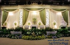 New Wedding Backdrop Gold Decor Ideas Wedding Reception Backdrop, Outdoor Wedding Decorations, Wedding Backdrops, Table Decorations, Popular Wedding Dresses, Princess Wedding Dresses, Garden Party Wedding, Diy Wedding, Trendy Wedding