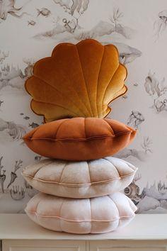 Copper Pearl Velvet Shell Cushion