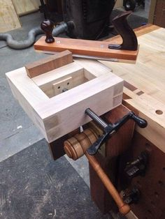 Chairmaker's Saw & Tenon Frame Vise
