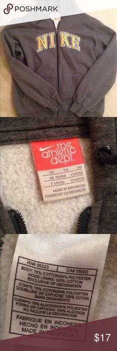 Men's Nike Sweatshirt Worn twice! In excellent condition. Offers welcome! Nike Shirts Sweatshirts & Hoodies