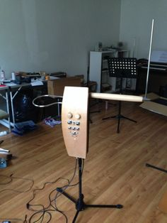 New in my atelier: a Moog Etherwave Pro Theremin which needs to be upgraded with a EPVM1345 module and to be completely re-tuned. About 5 working hours...