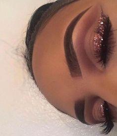 Idée Maquillage 2018 / 2019 : girl girls makeup goal on fleek summer girls baddies babes makeup highlight g make up highlighter Makeup Eye Looks, Cute Makeup, Gorgeous Makeup, Glam Makeup, Pretty Makeup, Skin Makeup, Makeup Inspo, Eyeshadow Makeup, Makeup Inspiration