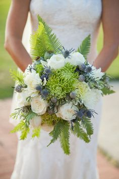 What is special about a woodland wedding is that you are trying to create a real forest atmosphere, a natural or a fairy tale one. That's why every detail including your wedding bouquet is to remind of it, so have a look at different leaves. Bride Bouquets, Bridesmaid Bouquet, Floral Bouquets, Blush Flowers, Bridal Flowers, Pretty Flowers, Floral Wedding, Rustic Wedding, Woodland Wedding Inspiration