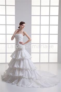 Robe de mariée bustier à plusieurs niveaux décoration perlée/fleur en taffetas