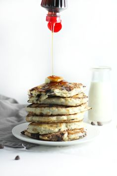 Chocolate Chip Oatmeal Cookie Pancakes (breakfast recipe) by www.droolworthydaily.com