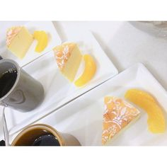 WEBSTA @ lesucre2006 - #베이킹클래스#수플레치즈케이크맛있는건 함께 나눠 먹어요~치즈!!!🌚..#チーズケーキ今日のモーニングコーヒーはチーズケーキと。😊.. #お菓子教室 #デザート #スイーツ #ルシュクル #ベーキング #手作り #おやつ#cheesecake #sweets #dessert #baking #cake  #foodgram #onthetable #수플레치즈케이크 #대전베이킹 #베이킹스튜디오 #르슈크레#대전베이킹스튜디오 #대전베이킹클래스 #대전케이크클래스 #반석동 #대전케이크 #우리밀베이킹 #디저트그램 #르슈크레클래스