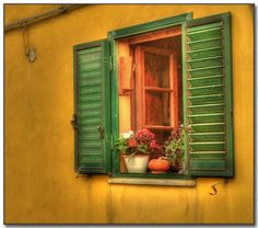 Italian Windows - Mix #green and #yellow for a #Tuscan feel.