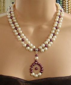 Cream\/Burgundy Czech Pearl drop Necklace - Jewelry creation by beadeye Pearl Drop Necklace, Seed Bead Necklace, Simple Necklace, Diy Necklace, Bead Jewellery, Pearl Jewelry, Jewelery, Jewelry Necklaces, Dainty Jewelry