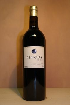 """My Cult Wine : Dominio de Pingus is a Spanish winery located in Quintanilla de Onésimo in Valladolid province with vineyards in the La Horra area of the Ribera del Duero region. The wine produced, Pingus, is considered a """"cult wine"""", sold at extremely high prices while remaining very inaccessible."""
