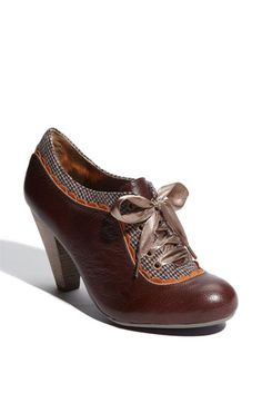 1/28/12 Oxford Pump by Poetic License. On this day in 1917, streetcars take the streets in SF.