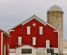 I love red barns