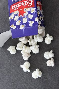 Crocheted Popcorn - Tutorial (use translator) This would make the CUTEST garland for a Christmas tree!