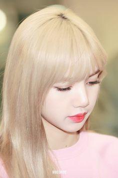 Kim Jennie, Jenny Kim, Kpop Girl Groups, Korean Girl Groups, Kpop Girls, Square Two, Divas, Lisa Black Pink, Lisa Blackpink Wallpaper