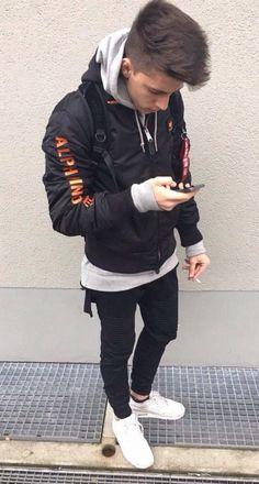 9 Clever Tricks Urban Fashion Editorial Leather Jackets urban wear women Fashion Photography New York urban fashion runway Fashion Makeup Eye Tutorial Boy Outfits, Casual Outfits, Men Casual, Summer Outfits, Perfect Outfit, Moda Men, Urban Fashion Photography, Style Masculin, Urban Dresses