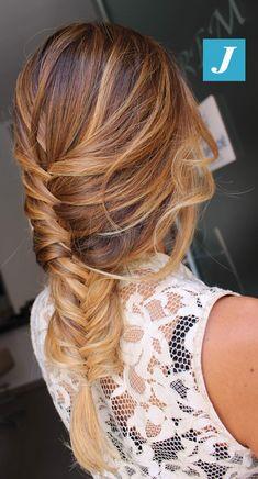 Intreccio di Degradé Joelle! #cdj #degradejoelle #tagliopuntearia #degradé #igers #musthave #hair #hairstyle #haircolour #longhair #ootd #hairfashion #madeinitaly #wellastudionyc #braid Caramel Blonde Hair, Strawberry Blonde Hair, Balayage Hair Blonde, Hair Pale Skin, Simple Bridesmaid Hair, Colored Curly Hair, Hair Color Shades, Silk Hair, Honey Hair