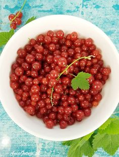 Ciasto z porzeczkami | AniaGotuje.pl Cherry, Fruit, Food, Meal, The Fruit, Eten, Meals, Prunus