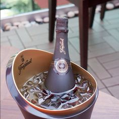 Ready, set, relax. #Freixenet #ice #fizz #champagne #cava #bubbles #sparkles #cool #instamoments #happiness #relax