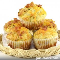 Salty ham and cheese muffins - At birthday parties or family gatherings it& best to prepare easy kid recipes like savory and - Bacon Muffins, Cheese Muffins, Egg Muffins, Muffin Recipes, Baby Food Recipes, Kid Recipes, Tapas, Ham And Cheese, Quiches