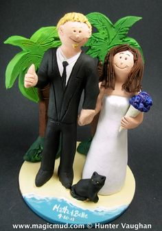 Wedding Cake Topper for Bride and Groom on the Beach, Vacation Wedding Cake Topper, Wedding Cake Topper with Cat,