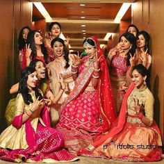 28 Super Ideas For Photography Friends Poses Cousins Indian Wedding Couple Photography, Indian Wedding Photos, Bride Photography, Mehendi Photography, Funny Photography, Party Photography, Photography Ideas, Fashion Photography, Pre Wedding Photoshoot