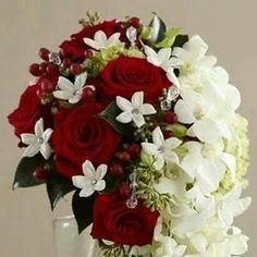 Floral Wreath, Wreaths, Weddings, Beautiful, Home Decor, Homemade Home Decor, Flower Crowns, Door Wreaths, Mariage