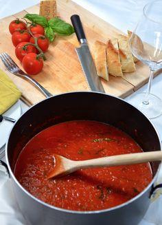 Authentic Italian Tomato Sauce  http://www.carlyklock.com/2011/06/authentic-italian-tomato-sauce.html