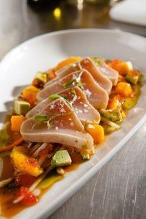Tuna Tataki with Green Papaya Slaw-- Rob Feenie's Cactus Club Recipe (so delicious! Raw Fish Recipes, Seafood Recipes, Asian Recipes, Cooking Recipes, Healthy Recipes, Ethnic Recipes, Tuna Tataki, Island Food, Paleo Dinner