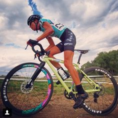 Suns out guns out! Summer is officially on its way! #WinterSolstice Thanks for the rad shot @soulrungear #cyclocross #cycling @sramracing @psimet