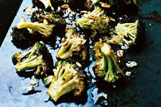 Broccoli, nudlar & ägg - Ekolådan Collard Greens, Wok, Chili, Sprouts, Broccoli, Soup Recipes, Noodles, Vegetables, Mandolin
