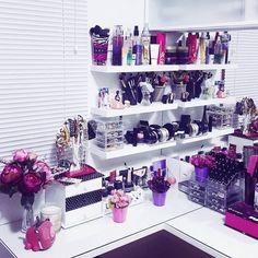 Makeup Shack our Makeup Vanity Dresser few Makeup Organization Ikea Malm whenever Makeup Kit For Women Cute Makeup, Makeup Geek, Diy Makeup, Makeup Kit, Rangement Makeup, Make Up Storage, Make Up Organiser, Glam Room, Makeup Rooms