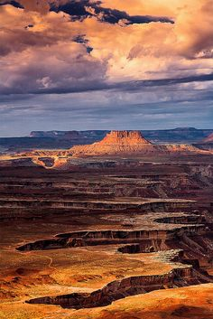 This dramatic picture was takean from Green River overlook, at Canyonlands National Park, Moab, Utah. We love Utah. All the wonderful National Parks! Places Around The World, Oh The Places You'll Go, Places To Travel, Places To Visit, Vacation Places, Travel Destinations, Canyonlands National Park, Photos Voyages, All Nature