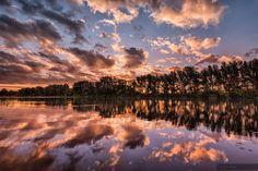 Jungle awakening Ébredezik a dzsungel National Geographic Photos, Your Shot, Awakening, Amazing Photography, Sunrise, Shots, Community, Clouds, Prints